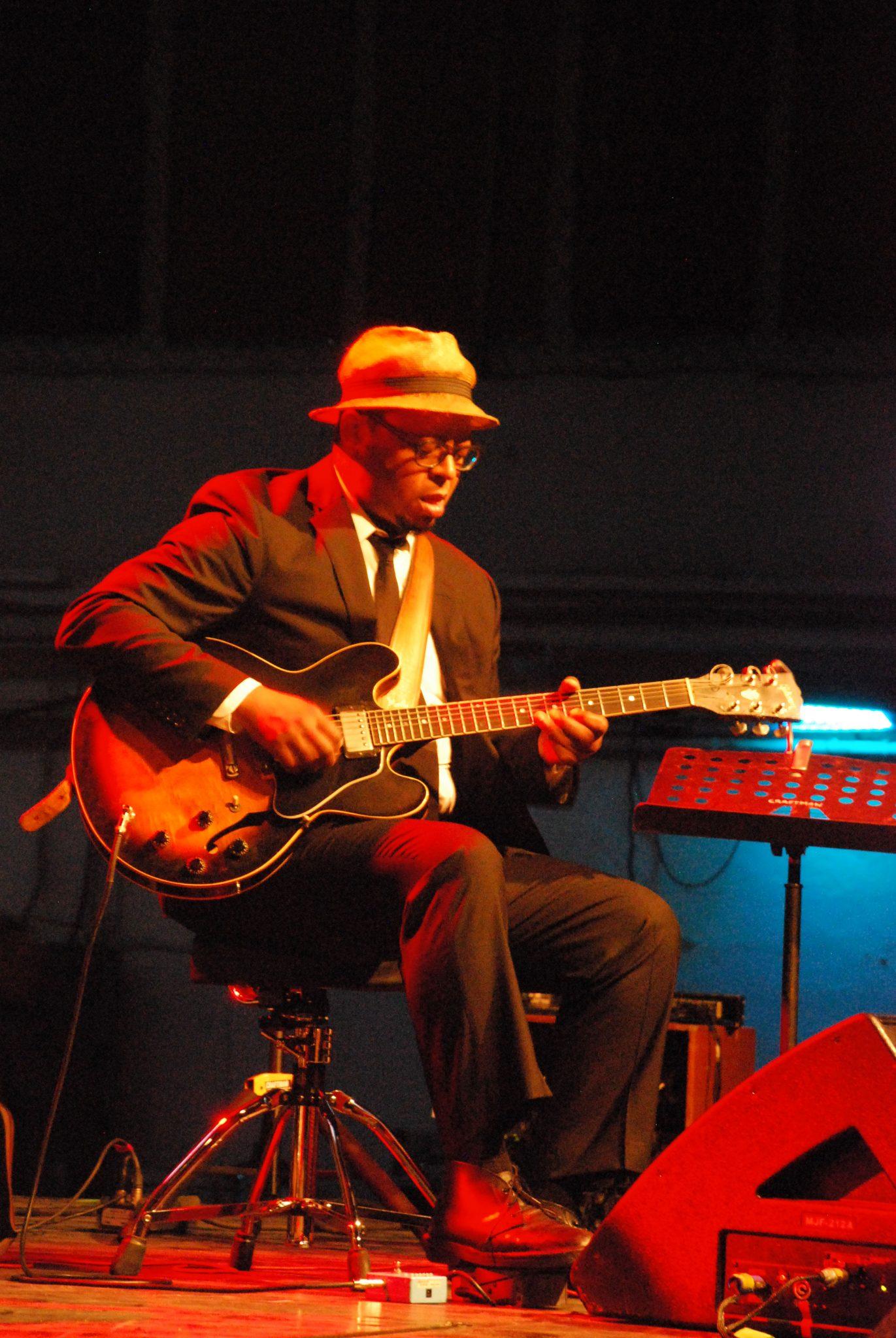 Jeff Parker (Joey DeFrancesco Trio)