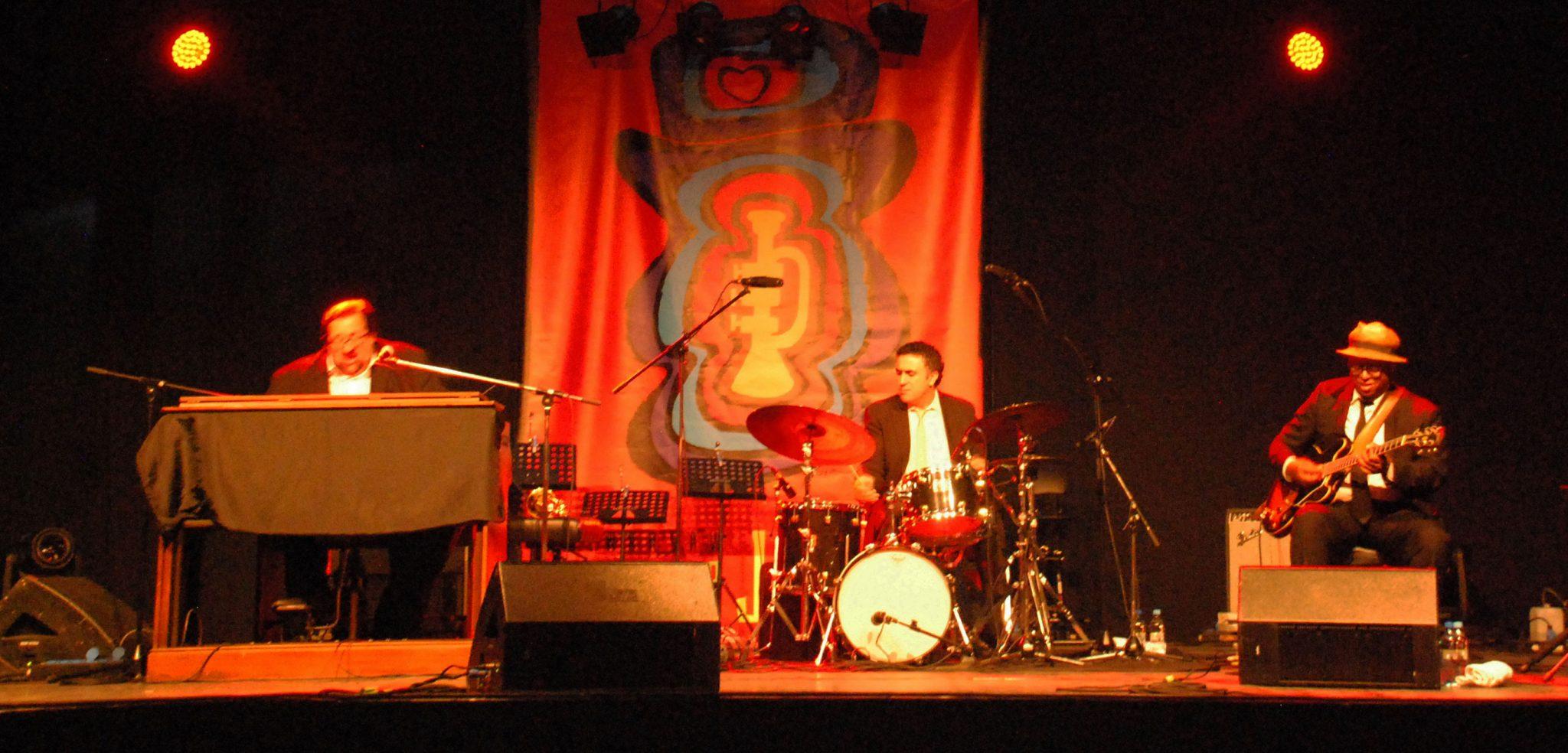 Joey DeFrancesco Trio